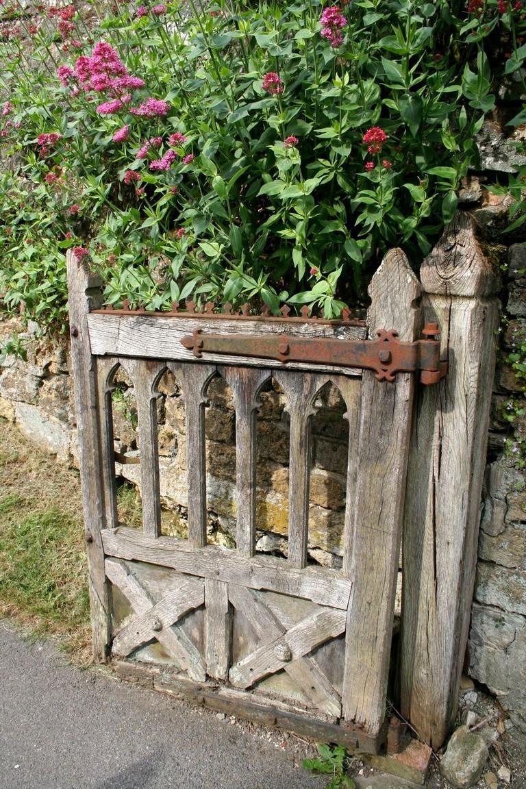 Stunning Rustic Garden Gate Designs: 70+ Fantastic Rustic Garden Gates Decor Ideas