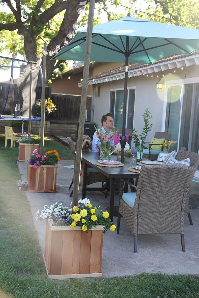 24+ Amazing Creative Shade Ideas in Your Backyard Patio ... on Creative Patio Designs id=39550
